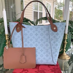 ❤️❤️RARE BOUGHT IN FRANCE LOUIS VUITTON HINA MM